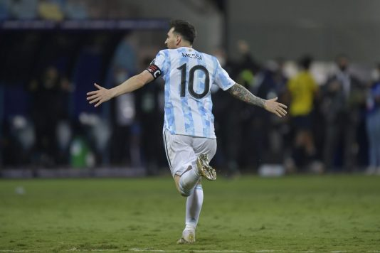 Argentina gặp Colombia ở bán kết Copa America