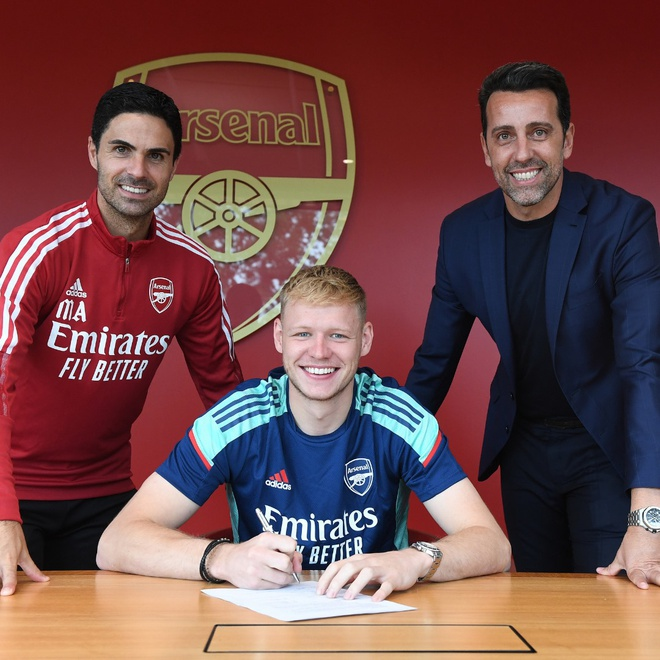 Arsenal chieu mo Ramsdale anh 1